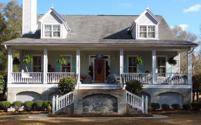 Front View of Caroline's